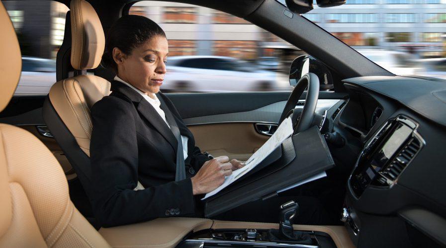 self driving car volvo