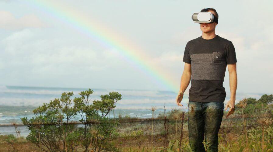 Man walking field VR
