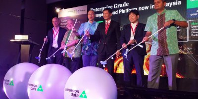 attendees officiating the launch of dimension data's managed cloud platform in malaysia