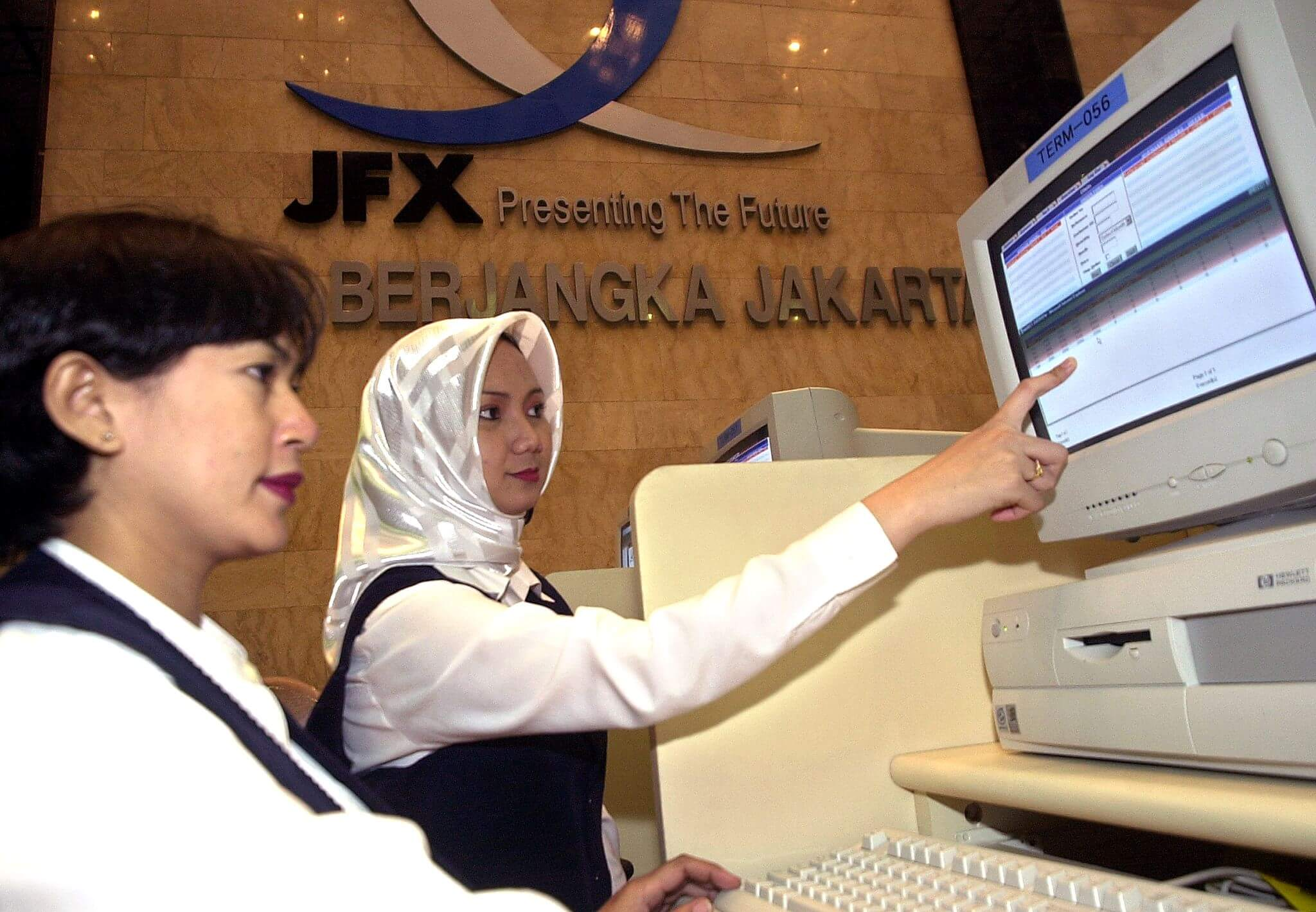 Jakarta Futures Exchange's staff during the inception of the company. Source: AFP PHOTO/Weda