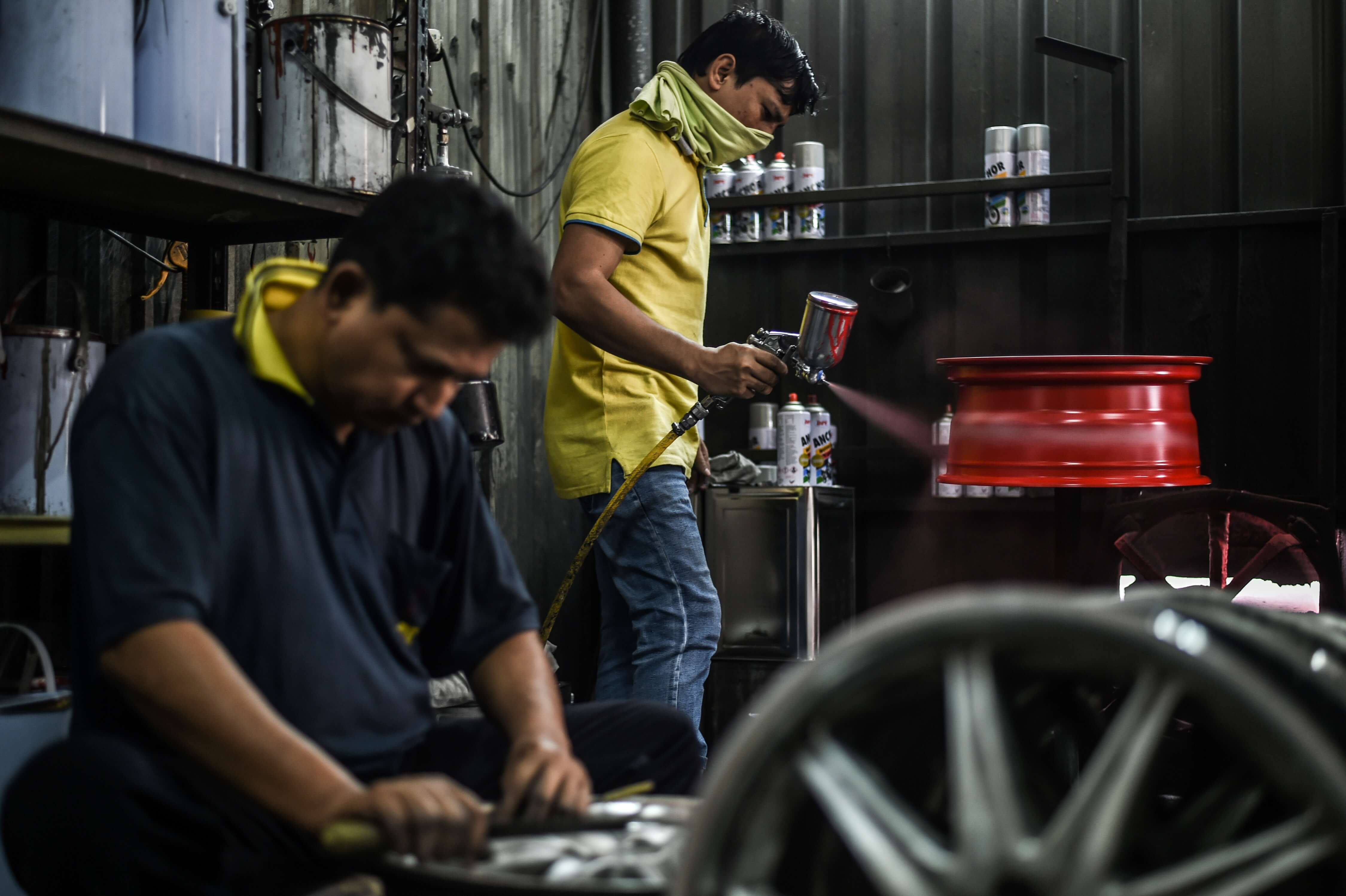 In many respects, Malaysian SMEs have a long way to go before they transform into digital-savvy businesses. Source: Mohd Rasfan / AFP