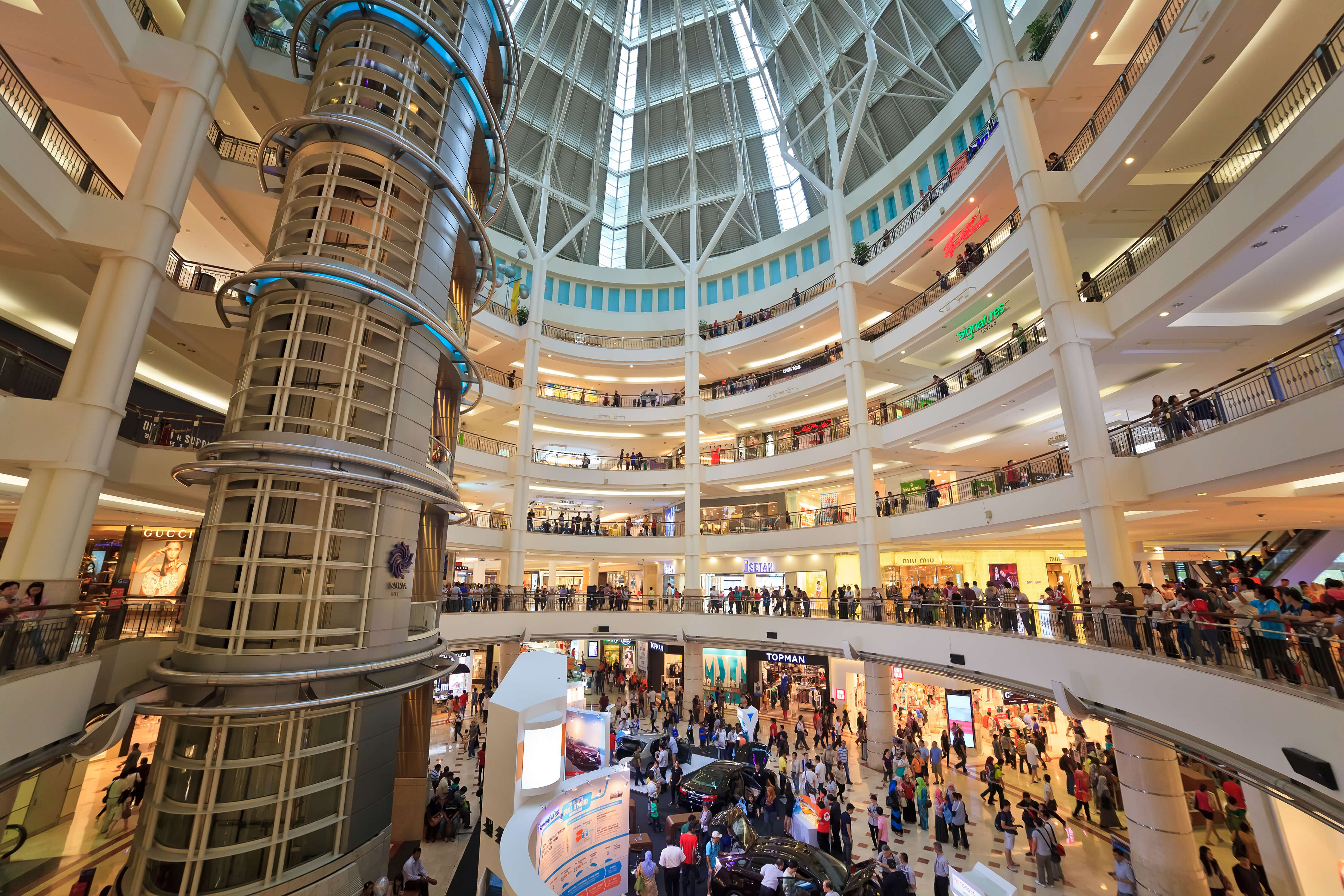 Retailers and mall operators in Malaysia are adopting technologies to enhance customer experience. Source: Shutterstock
