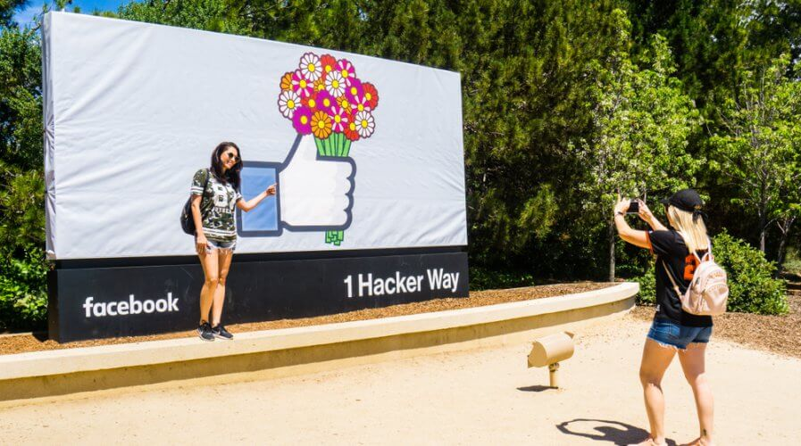 Facebook's got a new data privacy and data use hub for busniesses. Source: Shutterstock