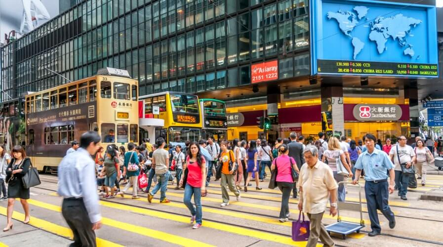 Accenture finds Hong Kong-ers more ready to share financial data. Source: Shutterstock