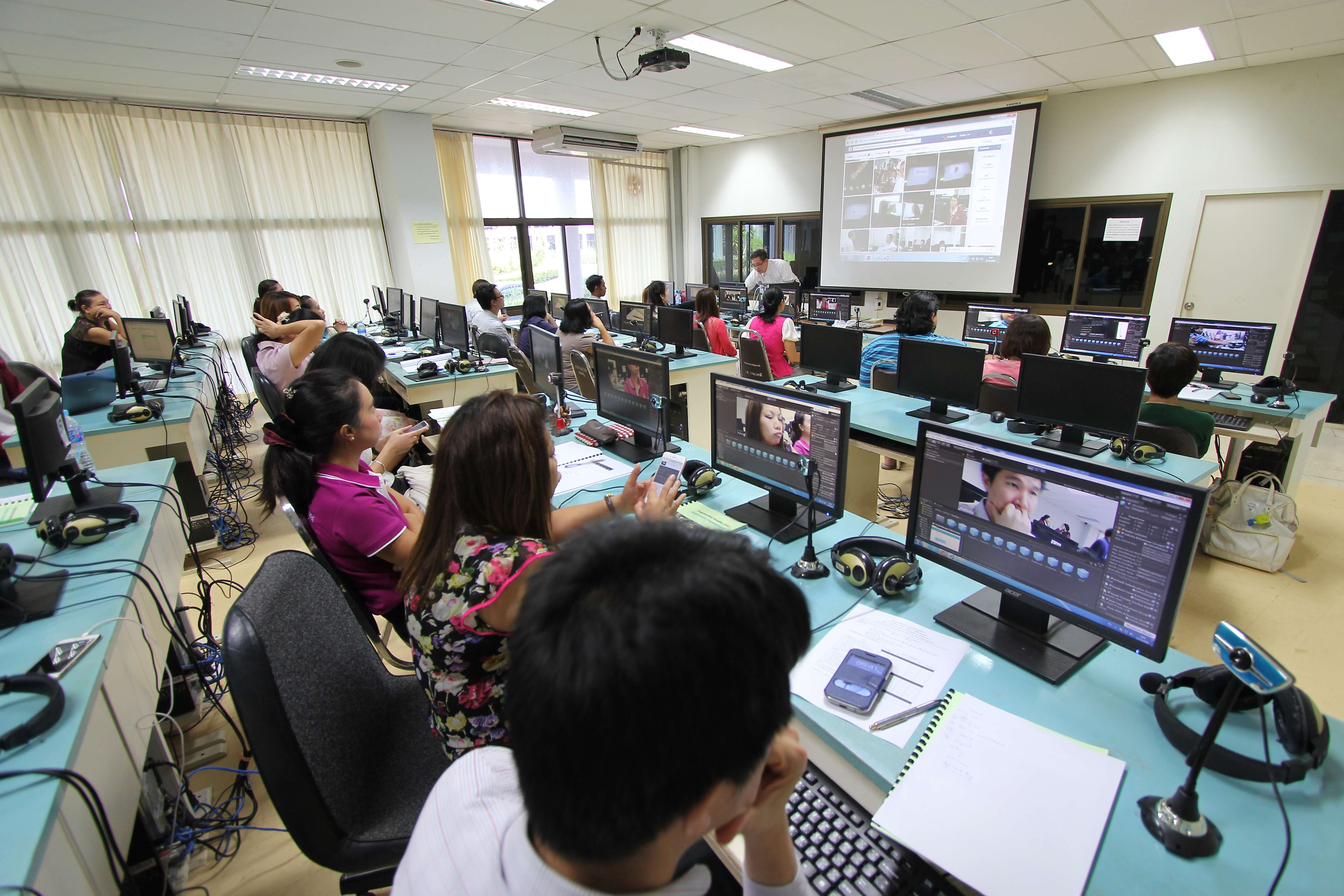 With the rapid evolution of technology in every imaginable sector, future classrooms will be hinged on AI and other future technology. Here are some ways how it will unfold. Source: Shutterstock.com