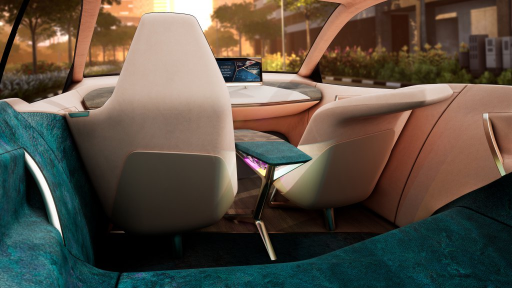 BMW Vision iNEXT - Mixed Reality. Source: BMW