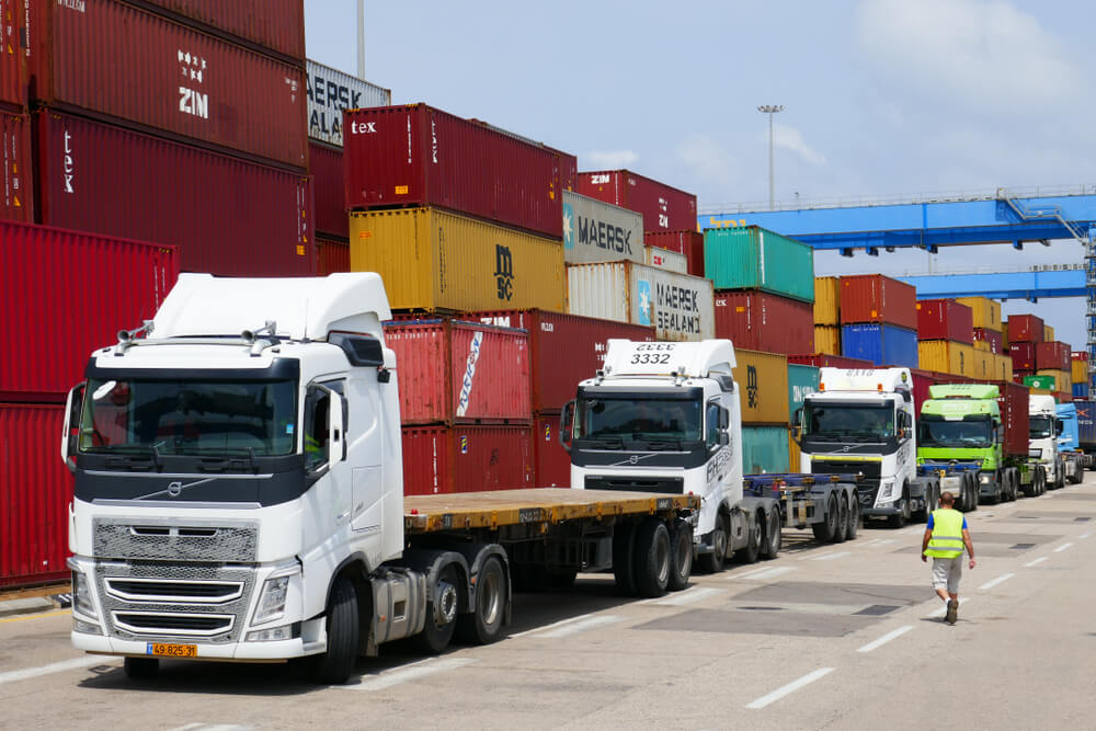 IoT in transportation to accelerate logistics businesses. Source: Shutterstock