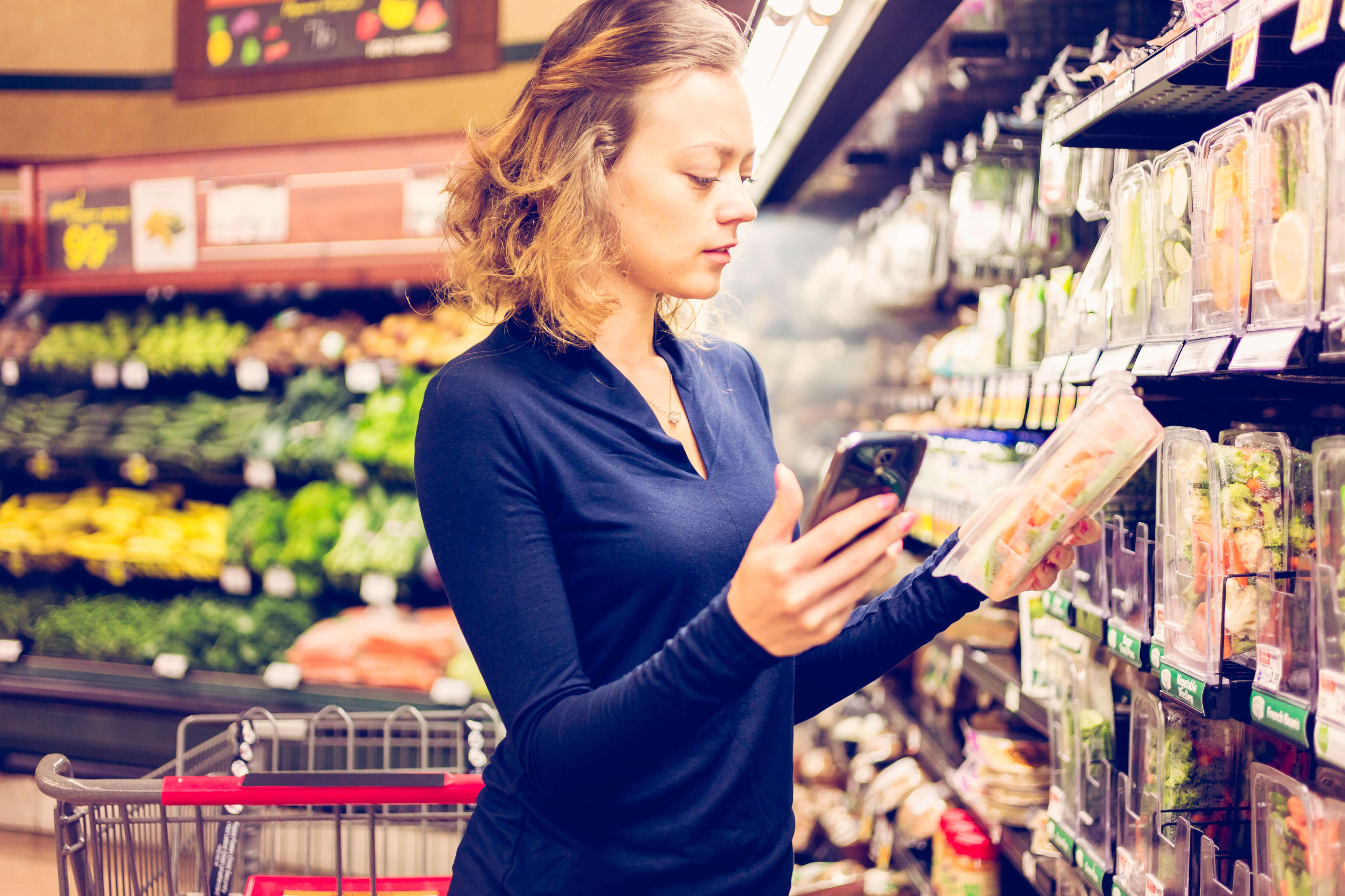 IoT technology is set to transform the retail industry and immensely benefit the sector, in various ways. Source: Shutterstock
