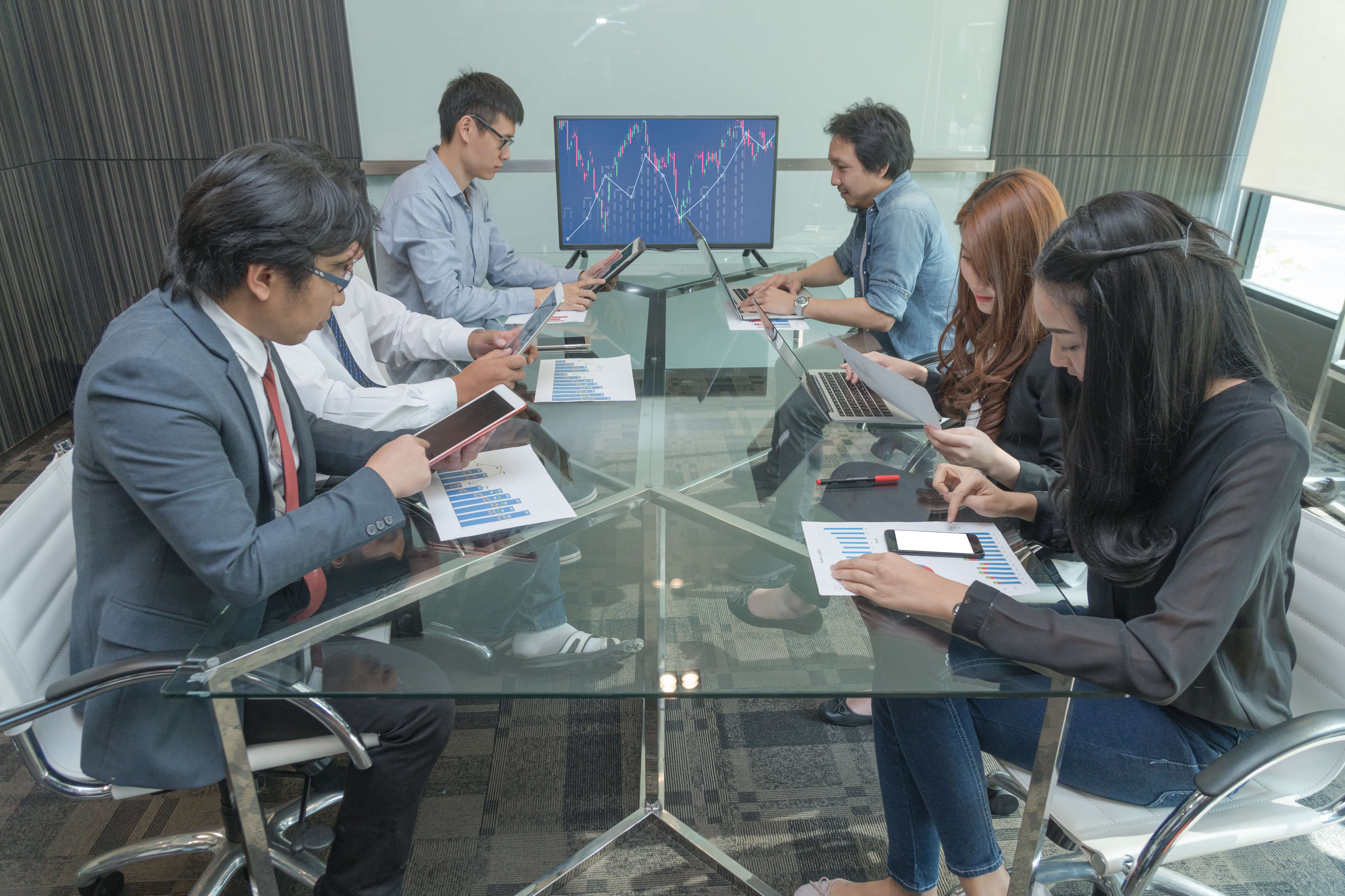 Innovation rate and productivity in the APAC region are expected to almost double with the deployment of AI. Source: Shutterstock