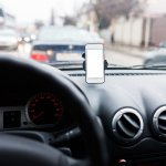 Businesses will have drivers' undivided attention with Waze in-drive advertising. Source: Shutterstock