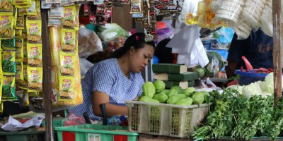Can technology digitally transform the street vendors in Indonesia? Source: Shutterstock