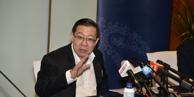 Malaysia Finance Minister Lim Guan Engaddressing media earlier this year. Source: Shutterstock.