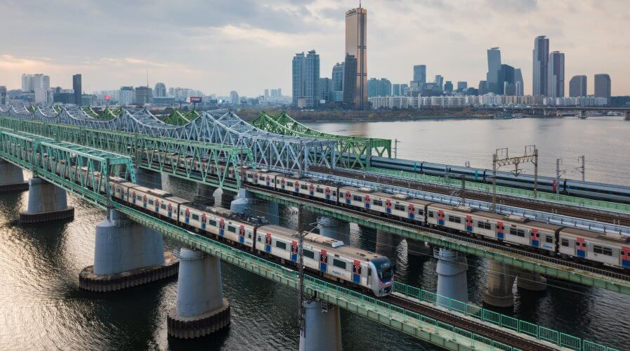 Evading ticket fares on subway trains and high-speed KTX trains will be more difficult using big data to identify suspicious patterns.